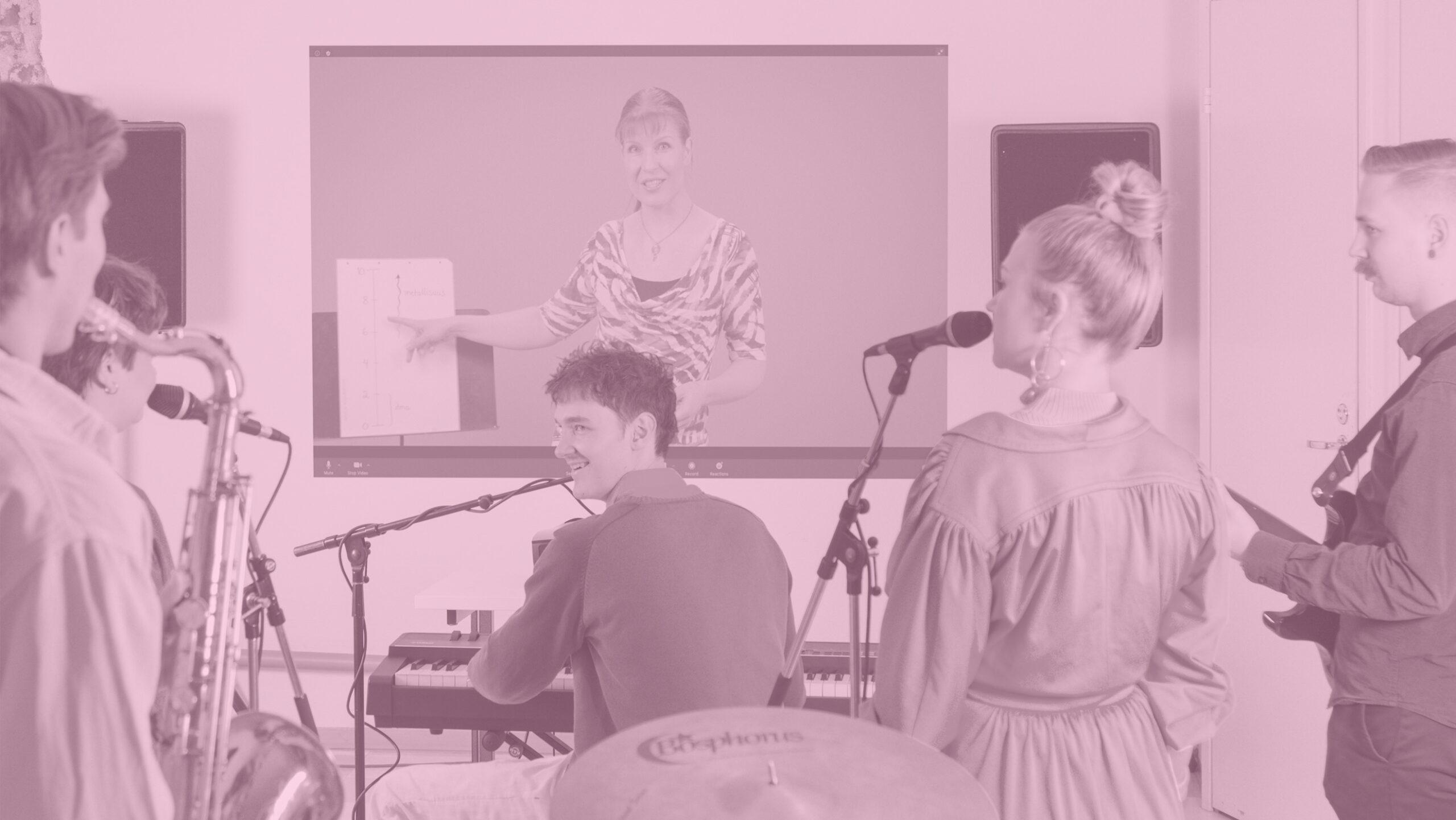 Verkko-opetuksen edelläkävijä – tutustu Pop & Jazz Openiin